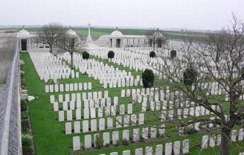 Loos CWG Cemetery & Memorial to the Missing.