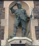 Statue: Alexander Selkirk, Lower Largo.